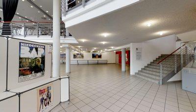 Stadthalle Soest – Großer Saal mit Reihenbestuhlung